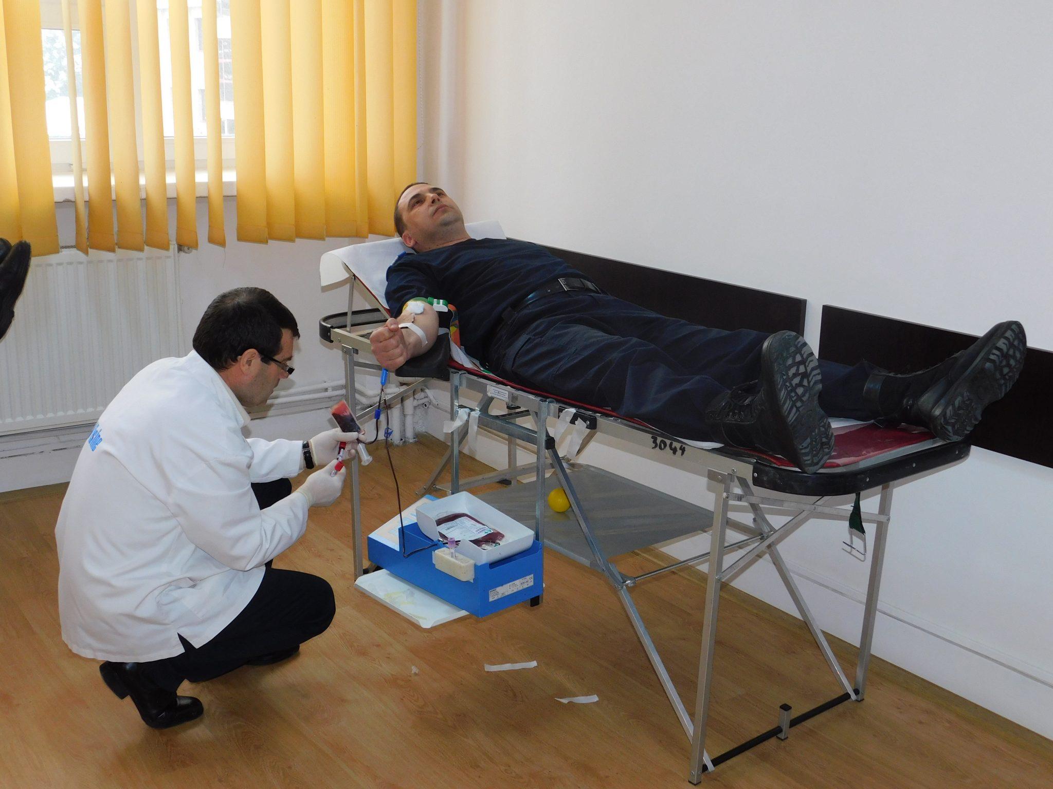Jandarmii doljeni au donat sânge