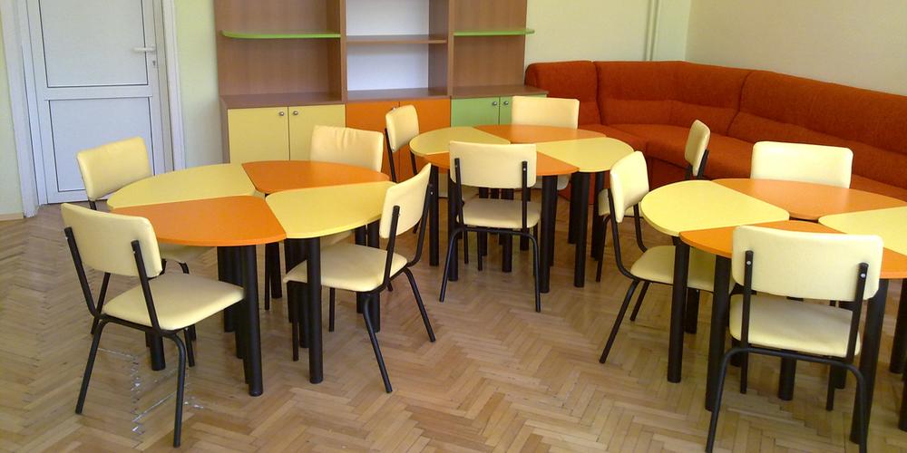Mobiler și echipamente noi pentru școlile din Târgu Jiu