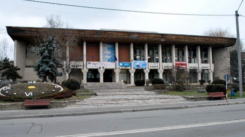 Interes zero pentru Casa de Cultură Târgu Jiu. Primăria mai are o șansă