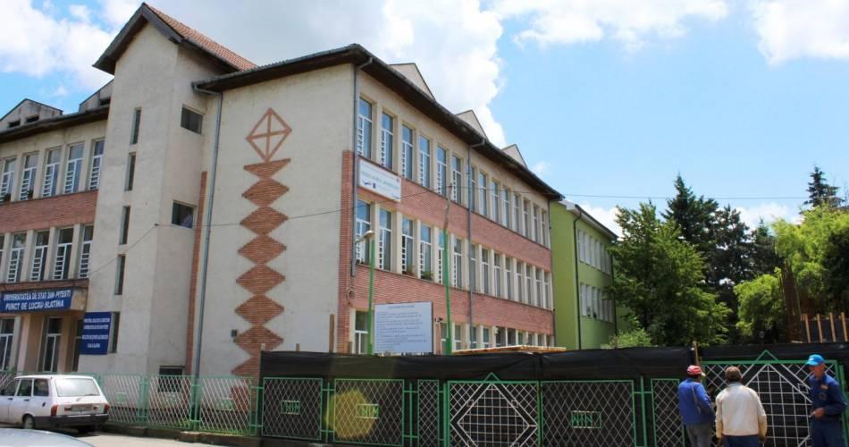 """OLT. Prefectul cere intensificarea procedurilor de autorizare a noii clădiri de la """"Ion Minulescu"""""""