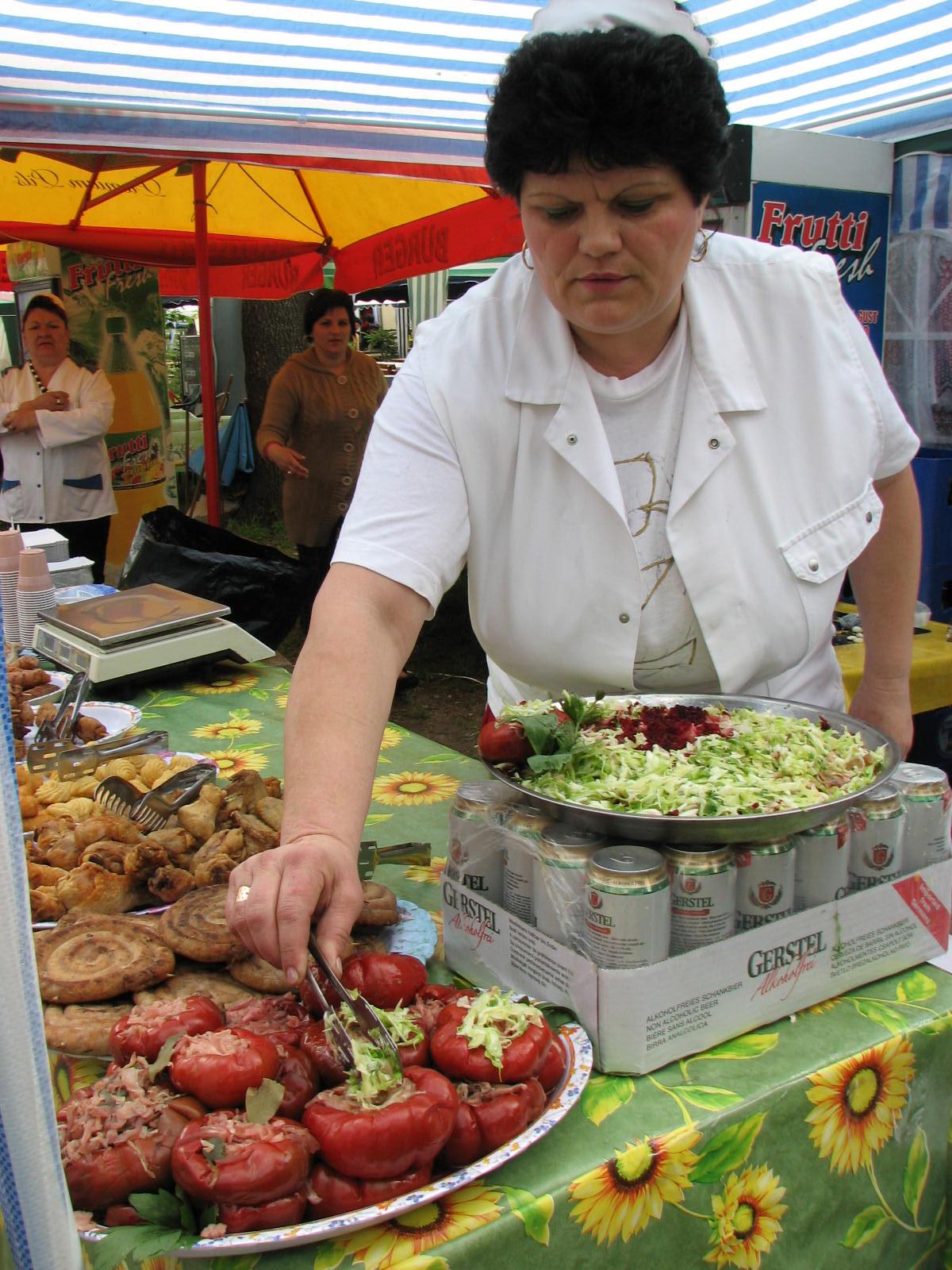 Mehedinți: Primarul Screciu aduce mâncăruri de poveste la Severin