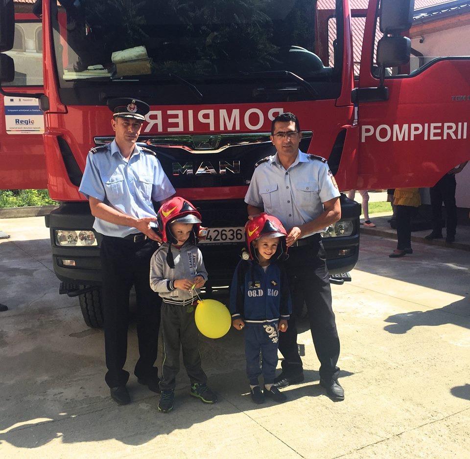 Pompierii gorjeni, alături de copiii cu dizabilități