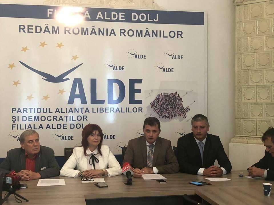 """Ion Cupă: """"Nu este în regulă ca președintele României să preia rolul de lider al opoziției în absența unui drum al opoziției"""""""