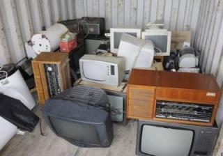 Vineri, 25 mai, în Râmnic se colectează gratuit deşeurile voluminoase şi deşeurile de echipamente electrice şi electronice