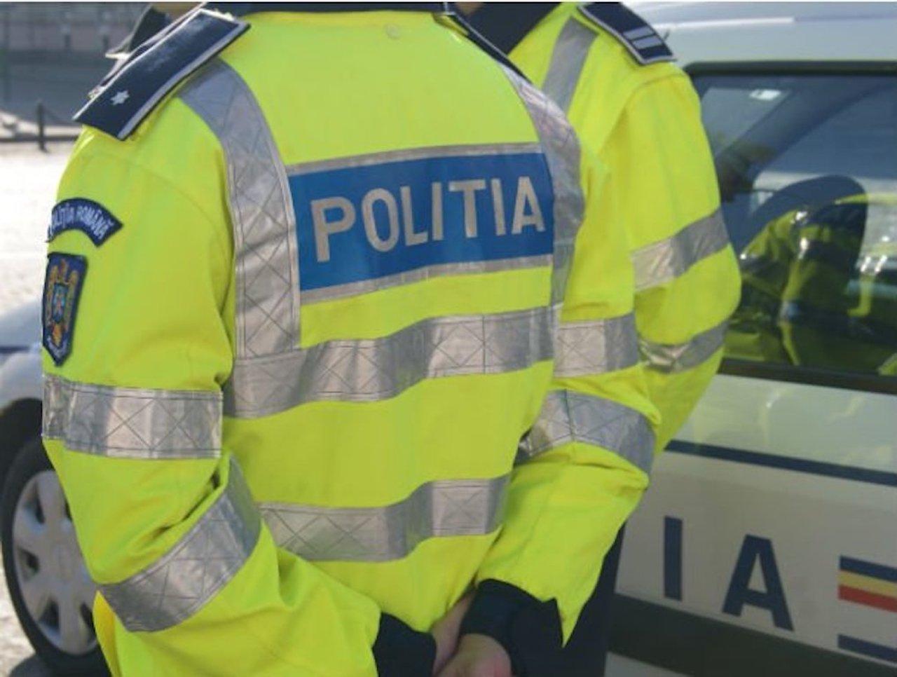 Reţinut de poliţişti după ce şi-ar fi incendiat maşina