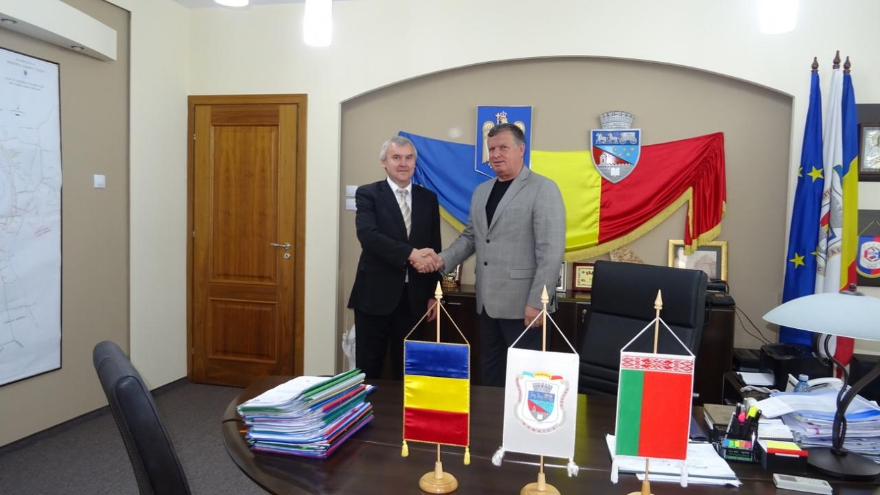 Ambasadorul Republicii Belarus s-a întâlnit cu conducerea Primăriei Râmnicului