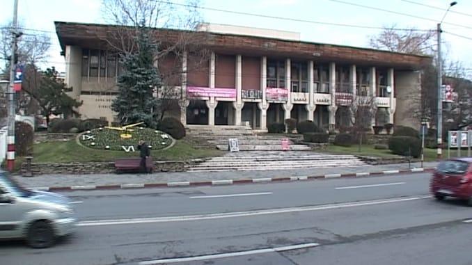 Primăria Târgu Jiu a câştigat licitaţia privind achiziţia Casei de Cultură din municipiu