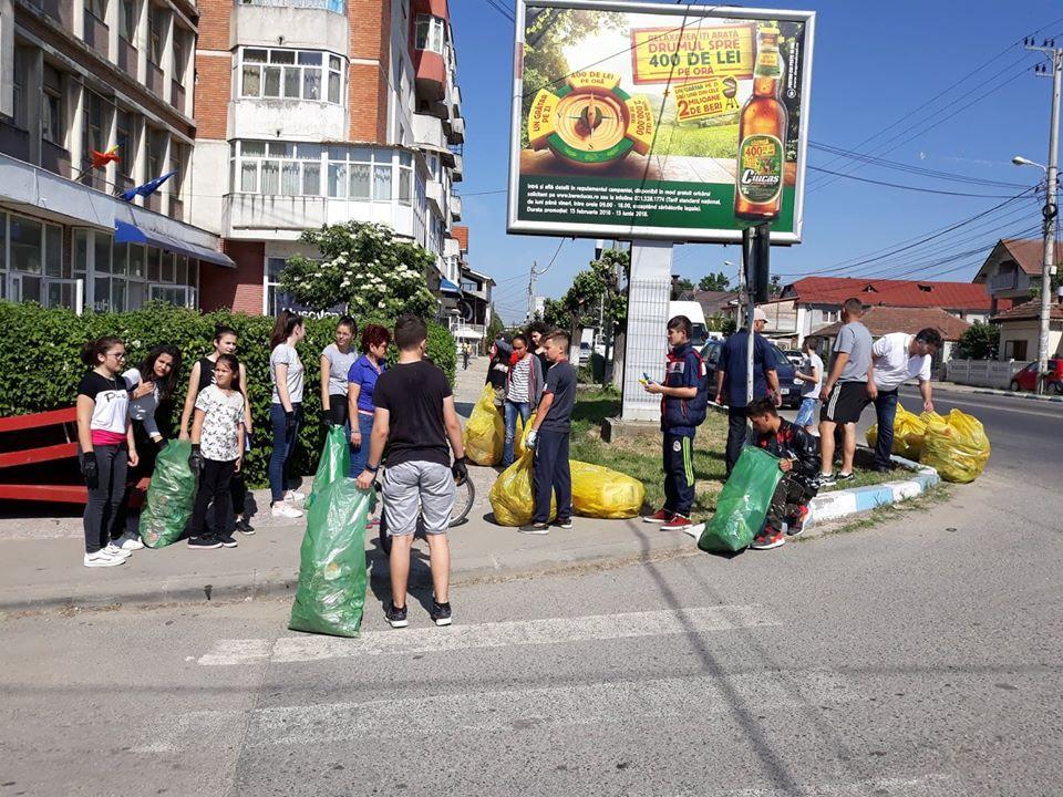 Curățenie generală în orașul Filiași