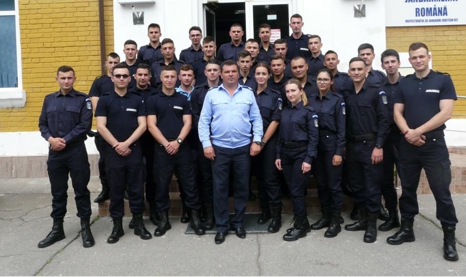 29 de viitori jandarmi, practică la Inspectoratul din Olt