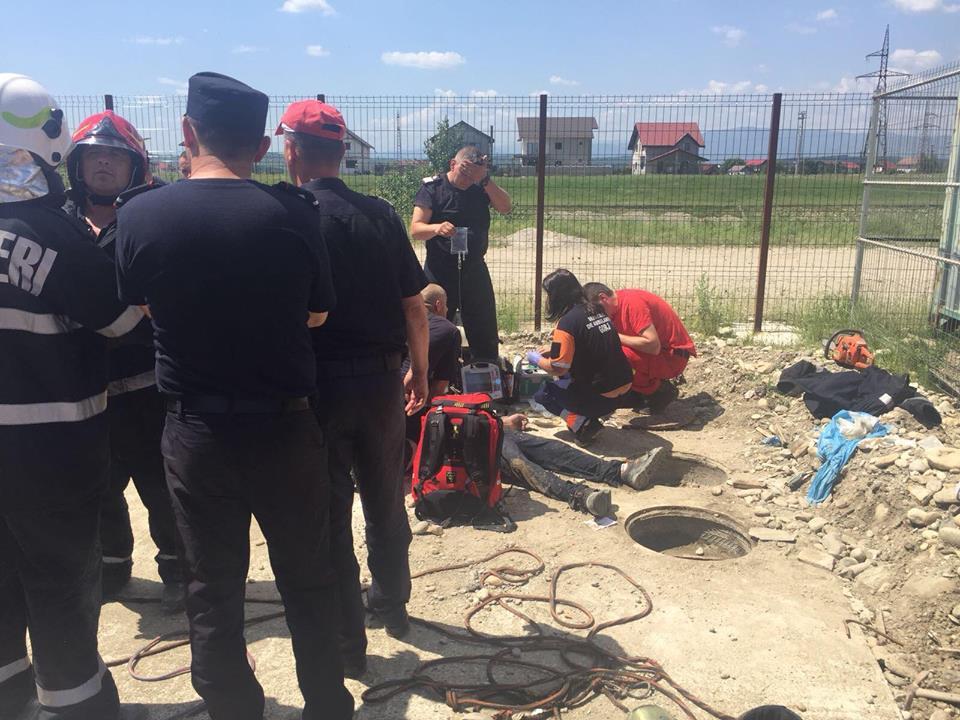Două persoane au căzut într-o hazna. Se întâmplă în Târgu Jiu