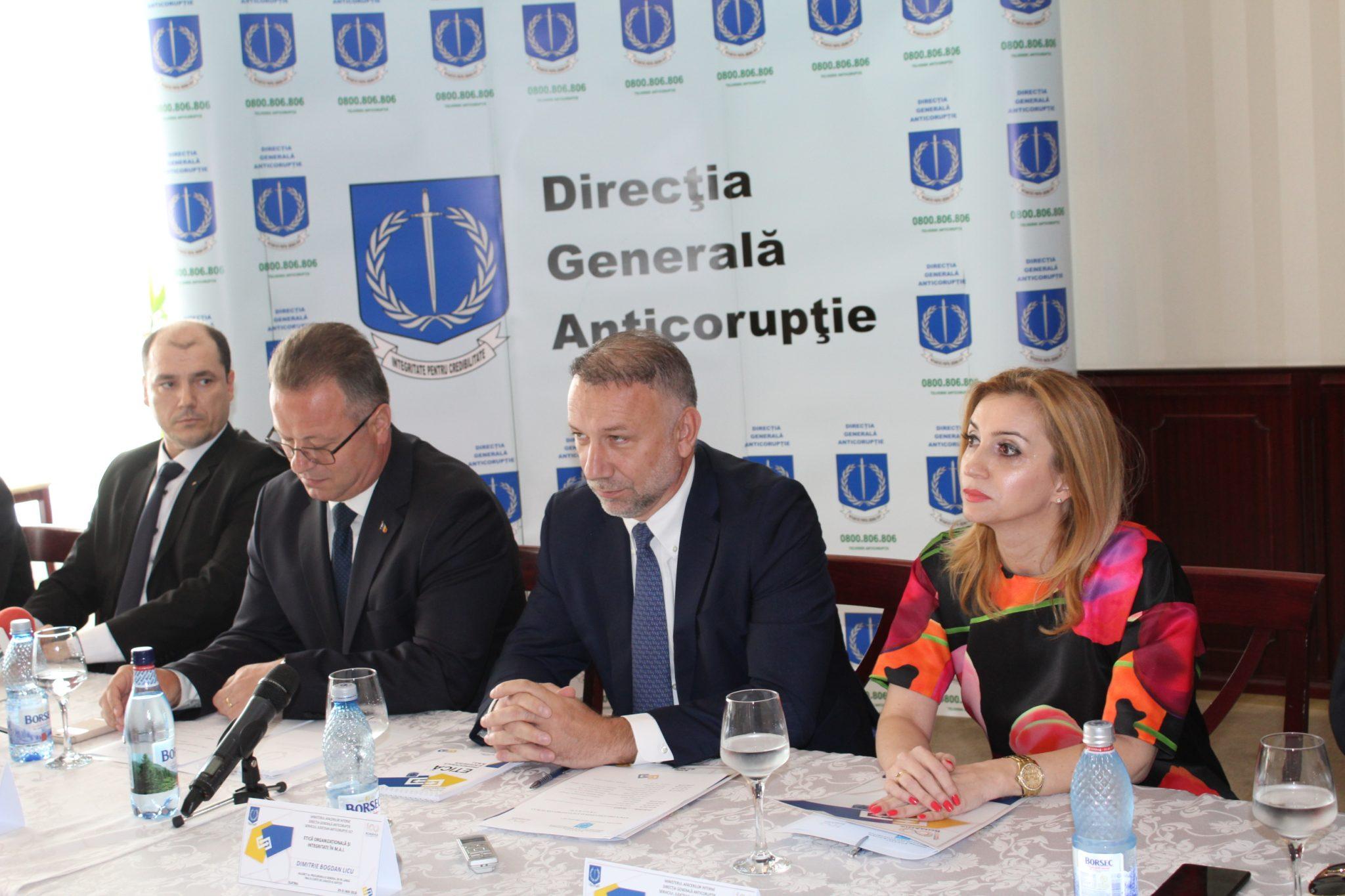 """Adjunctul procurorului general, la Slatina: """"Cetăţeanul n-o să se întâlnească niciodată cu un ministru care ia mită. El se loveşte de funcţionarul de la ghişeu"""""""