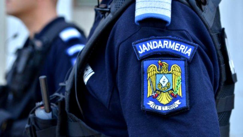 Jandarm lovit de un tânăr de 28 ani