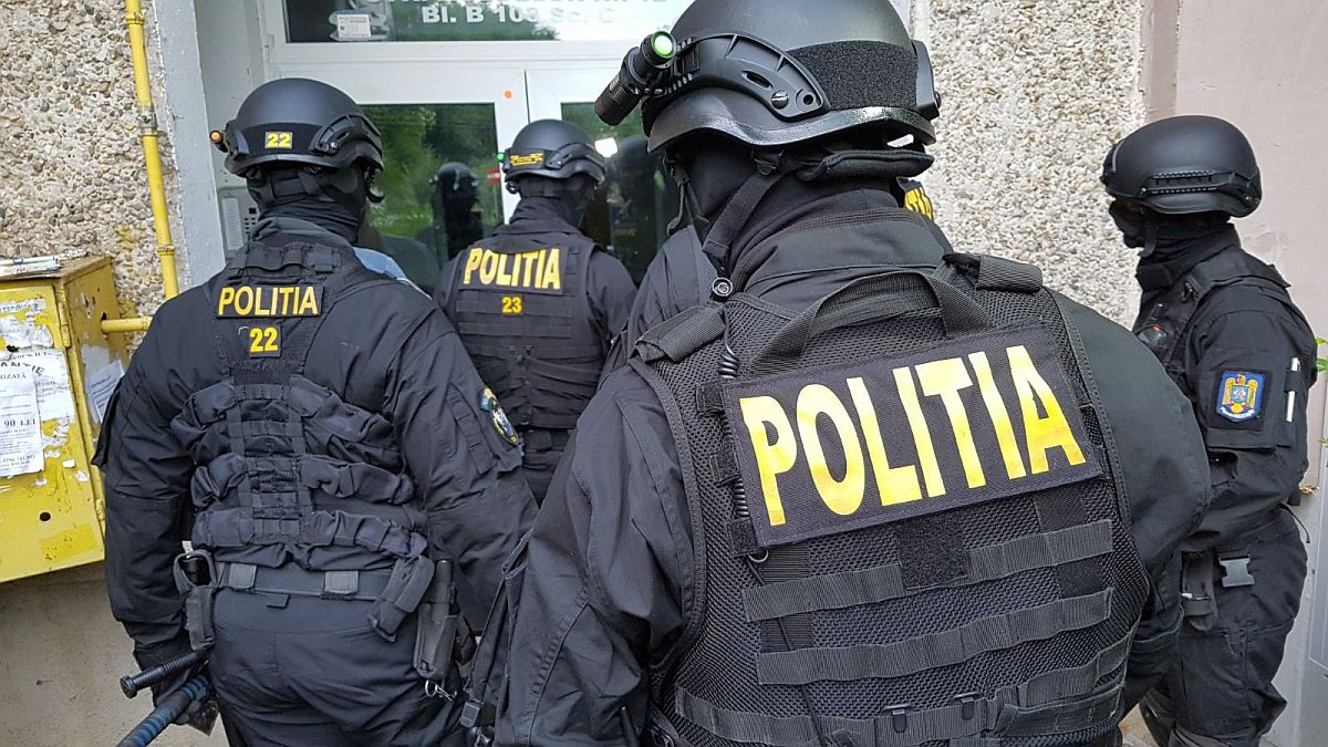Mehedinți: Percheziții la contrabandiști în Severin și în Văgiulești-Gorj