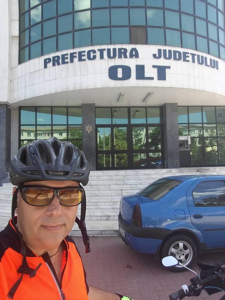 Angajat al Primăriei Corabia, își promovează orașul pe bicicletă