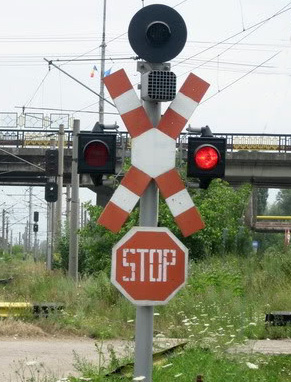 Vâlcea. Scurgeri de propilenă dintr-un tren în urma unui accident