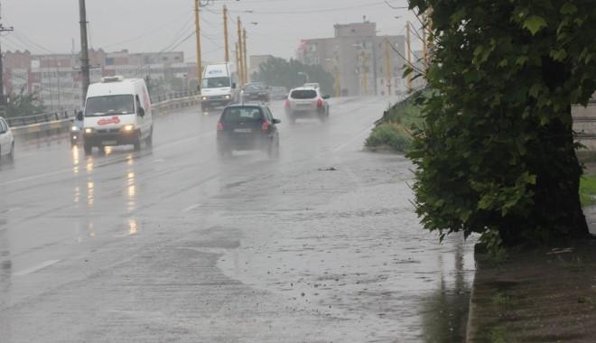Oltenia, din nou sub atenţionare Cod Galben de ploi şi grindină