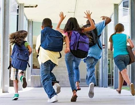 Elevii şi preşcolarii intră vineri în vacanţa intersemestrială