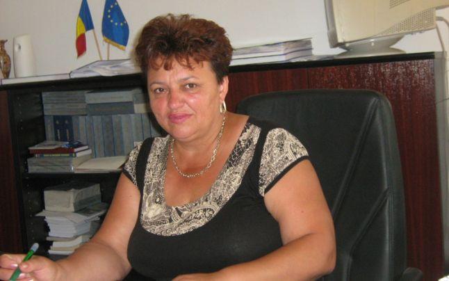 Primărița din Stoina, liberă de contract. Bușe este condamnată pentru ilegalități cu fonduri APIA