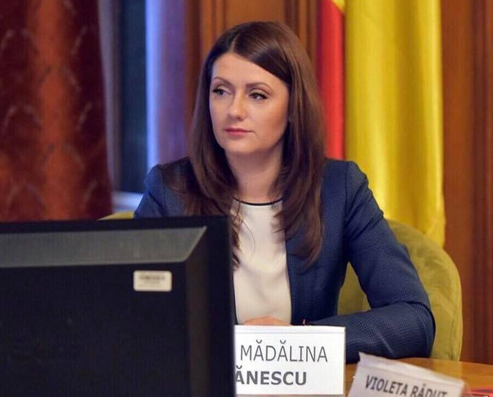 """Eliza Peța-Ștefănescu, deputat PSD de Dolj: """"Legea internshipului vine să alinieze România la standardele superioare de muncă"""""""