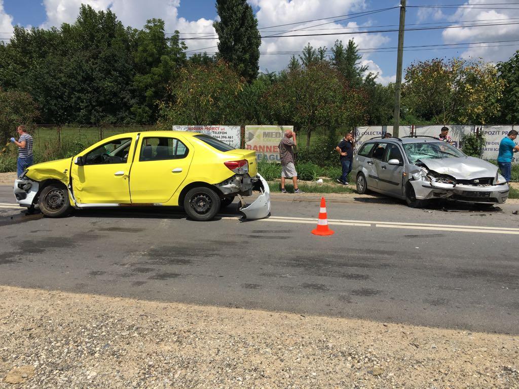 Accident provocat de un bătrân din Craiova. Patru oameni, răniți
