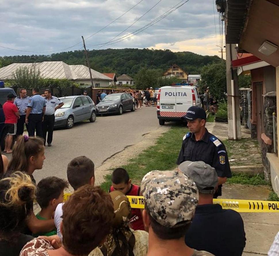 O polițistă din Gorj și-a împușcat mortal bebelușul și mama, apoi s-a sinucis