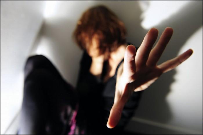 Tânăr arestat pentru pornografie infantilă şi şantaj