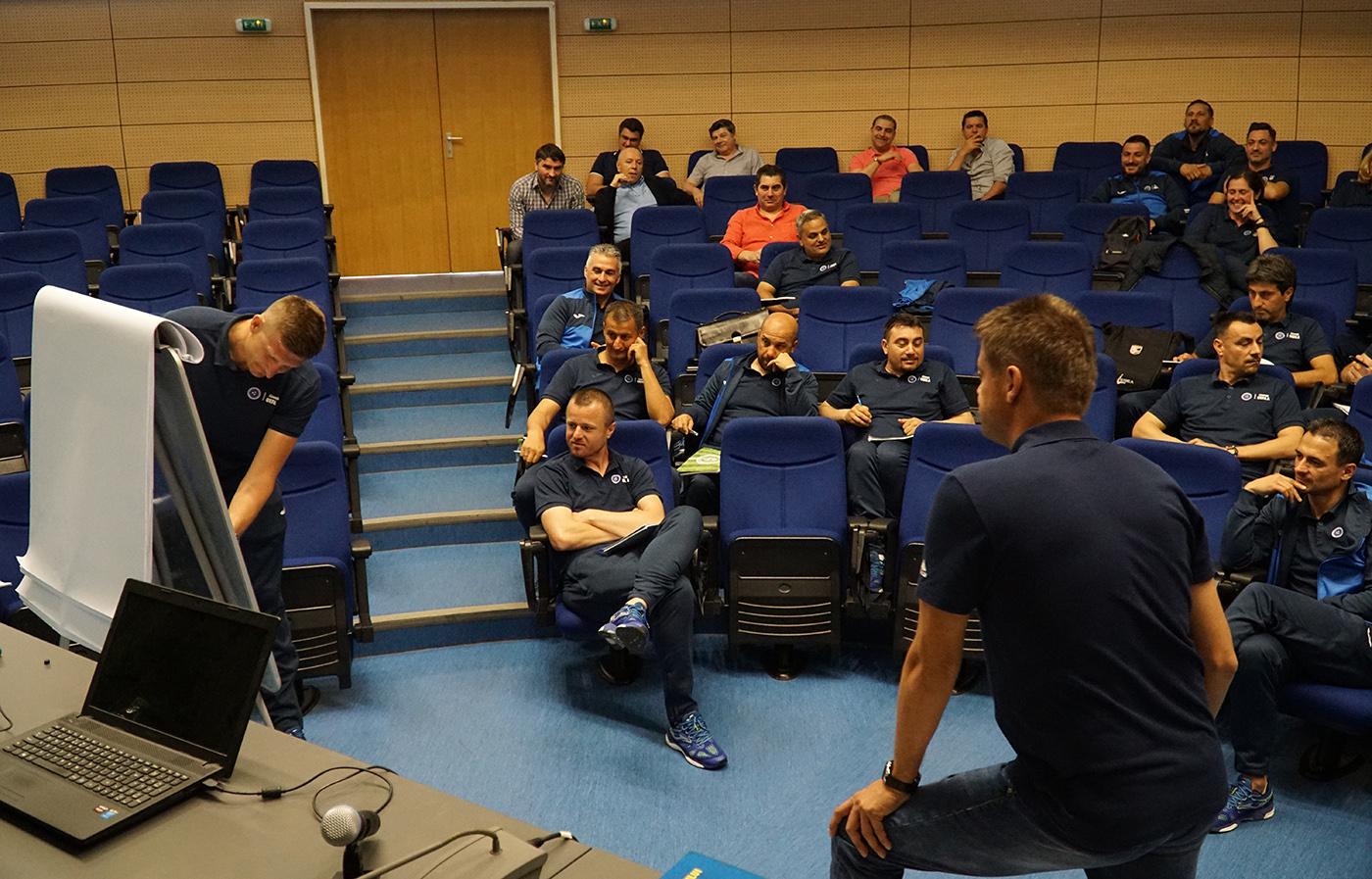 Fotbalul craiovean are mai mulți antrenori cu licența UEFA A