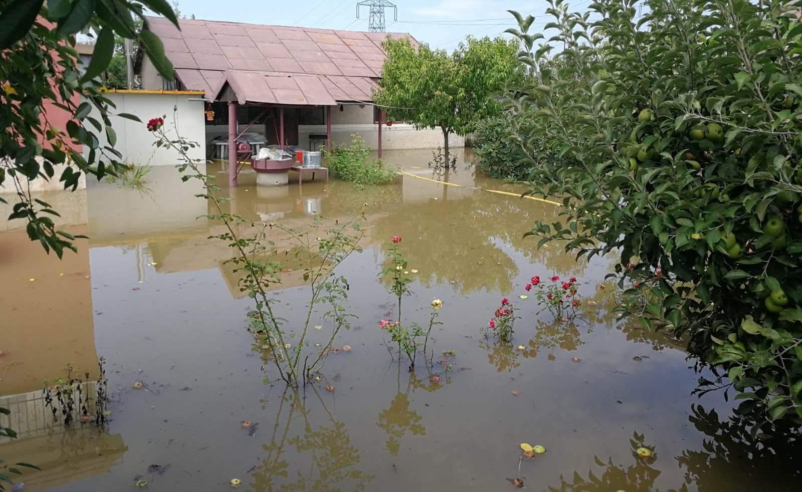 Inundatii intr-o comuna din Olt