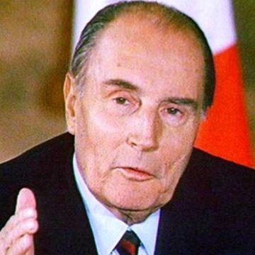 Biblioteca lui François Mitterrand, scoasă la licitație