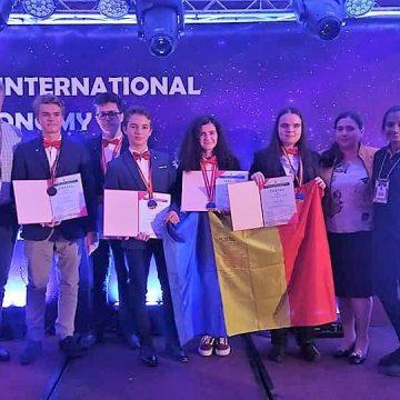 Aur, argint și bronz pentru elevii români