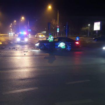 Video-Accident cu trei maşini în zona Billa. Un tânăr a fost rănit