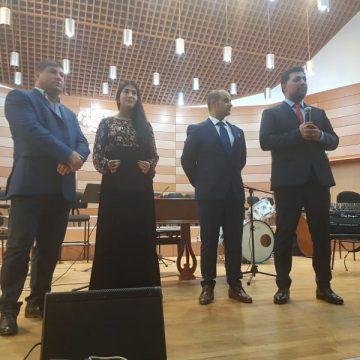 """""""Caravana Marii Uniri"""", concert extraordinar susţinut de cunoscuţi artişti romi"""