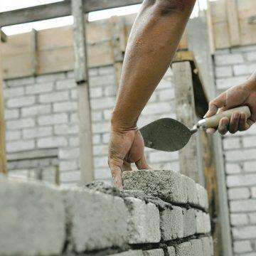 Contractele cu constructorii, modificate, după OUG 114