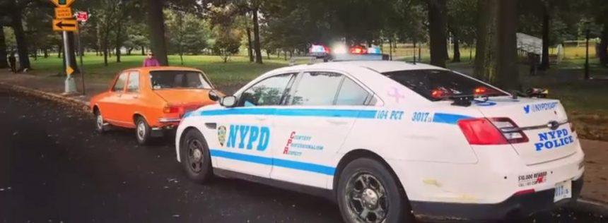 Dacie, oprită de poliţie la New York