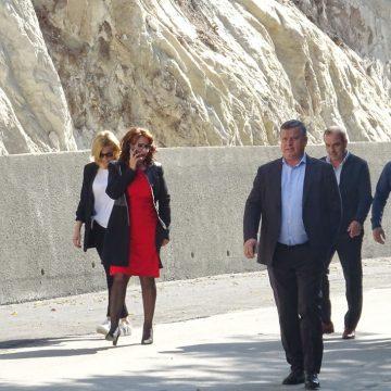 Zid de sprijin pe intrarea Cetățuia