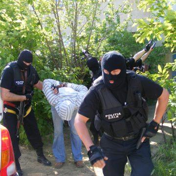 Mehedinți: Severinean cu mandat european de arestare prins de poliție