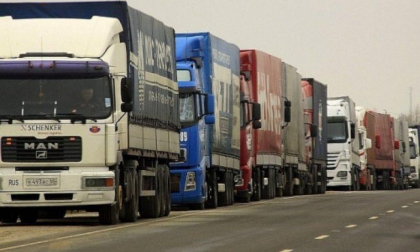 Restricţie de 24 de ore pentru accesul camioanelor în Ungaria