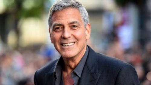 Clooney donează o motocicletă în beneficiul veteranilor de război