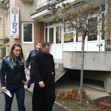 """Mehedinți:  ,,Popa"""" Iulian, luat la ,,spovedit"""" de polițiștii lui Nițulescu"""