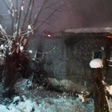 Olt. Fără casă, în plină iarnă, în urma unui incendiu