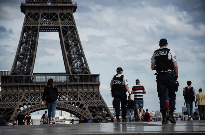 Turnul Eiffel, închis sâmbătă