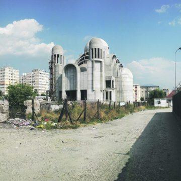 În loc de spovedire, alţi bani pentru Catedrala din Craioviţa Nouă