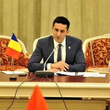Claudiu Manda anunţă: Miting PSD, în alb