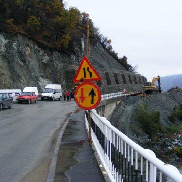 Mehedinți: Tânără moartă într-un accident cumplit, scoasă de scafandri din Dunăre