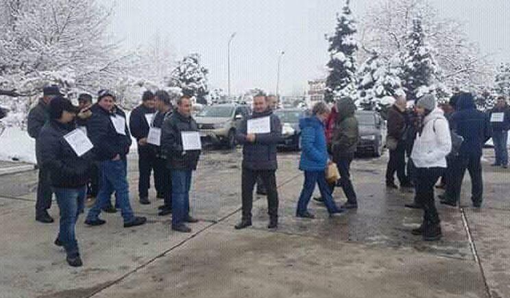 Angajații de la Oltchim Râmnicu Vâlcea, în greva foamei