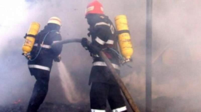Dolj. Incendiu într-un bloc din Filiaşi. Un bărbat a murit