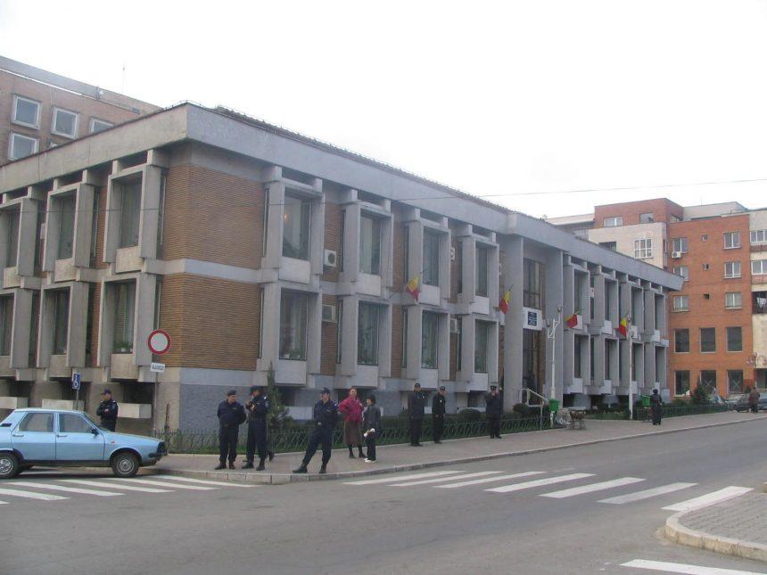 Mehedinți: Primăria Severin va angaja experți contabili pentru a verifica  periodic toate  asociațiile  de proprietari din municipiu