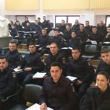 57 de tineri, în practică la Jandarmeria Dolj