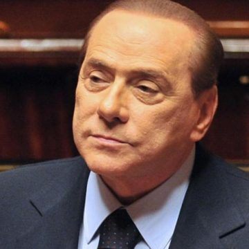 Berlusconi candidează în scrutinul europarlamentar