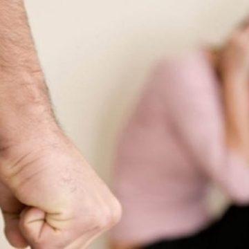 15 oltence ameninţate sau bătute de parteneri. Poliţiştii au emis ordine de protecţie